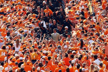 lane-kiffin-vol-walk